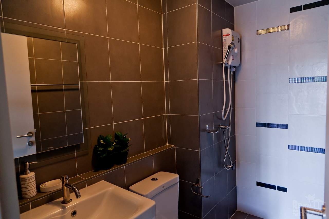 DCondo-Mine-Studio-Apartment-Bathroom-Phuket