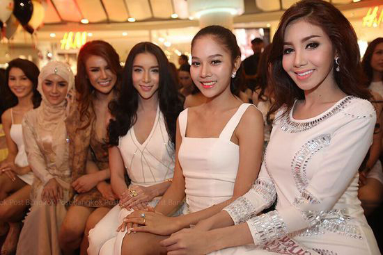 Ladyboy-Group