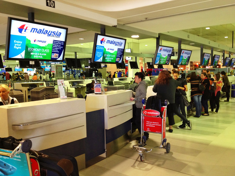 Malaysia-Airlines-Check-In-Counter